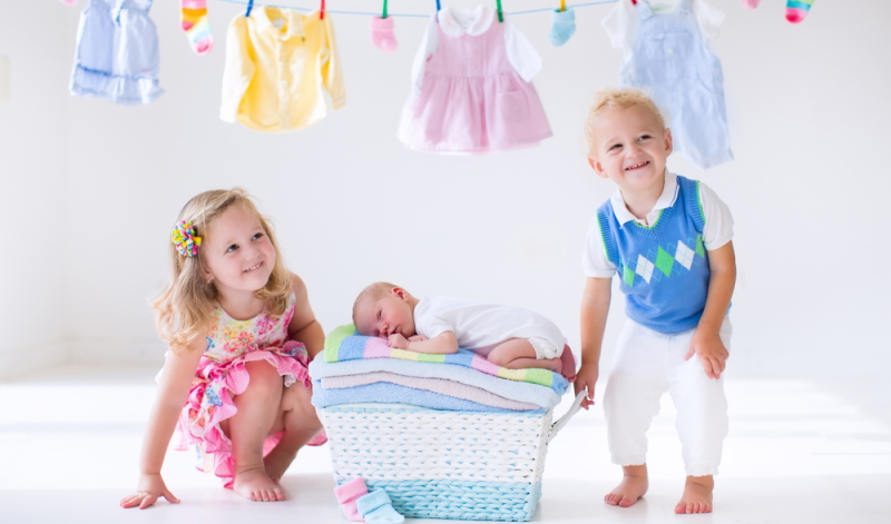 Eine Baby Erstausstattung Checkliste hilft dabei, Nötiges von Unnötigem zu trennen und herauszufinden, was wirklich wichtig ist.