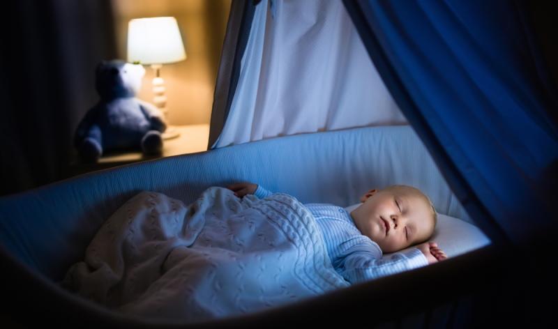 Ein Nest sieht zwar hübscher aus, ist im Hinblick auf die Sicherheit des Kindes aber nicht zu empfehlen.