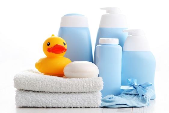 Griffbereit sollten die Badeuttensilien liegen, bevor man den Badespass beginnt.