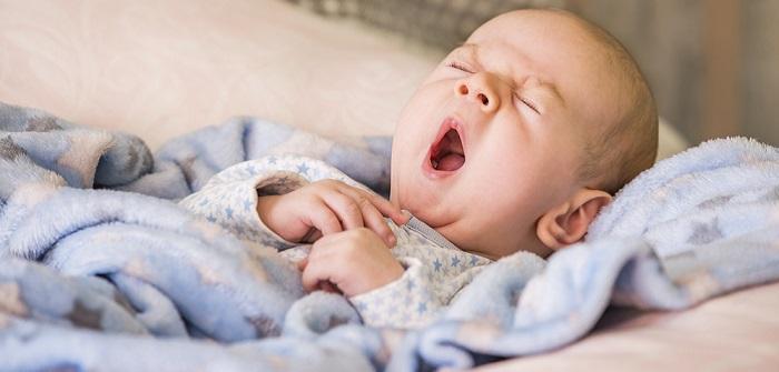 Baby schläft unruhig: 5 Tipps, die bestimmt helfen