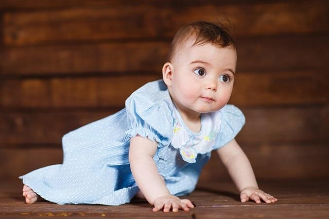 Einige Eltern nutzen die Möglichkeit und reisen in der Elternzeit zusammen ein wenig durch die Welt. Das ist eine sehr schöne Gelegenheit, denn die Reise mit Baby ist gerade dann sehr entspannt, wenn der Nachwuchs noch so klein ist. (#04)