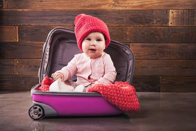 Nicht immer ist es möglich, nicht so lange mit dem Baby unterwegs zu sein. Mehr wie zwei Stunden Fahrt hintereinander sollten erst einmal nicht in Angriff genommen werden. Wie bereits erwähnt, ist nach diesen zwei Stunden eine Pause ratsam. (#02)