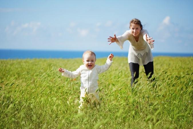 Erstmal raus aus dem Auto und springen lassen, wenn Baby unterwegs ist. (#01)