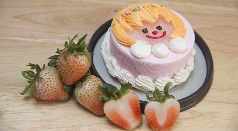 Kinder lieben es bunt und fantasievoll – danach richten sich Eltern in ihrer Rezeptwahl vor allem beim Geburtstagskuchen für die Kleinen. (#02)