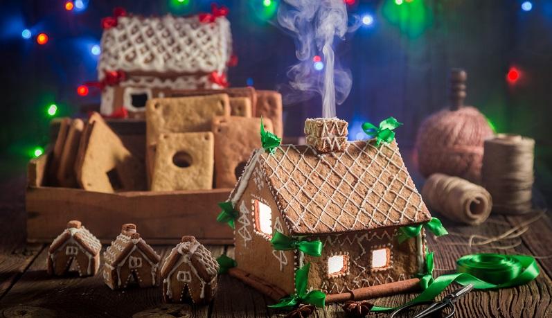 Wer an Weihnachten doch etwas mehr in die Vollen greifen möchte, kann sich von den folgenden Rezepten inspirieren lassen: Simple Pfefferkuchenhäuschen (#03)