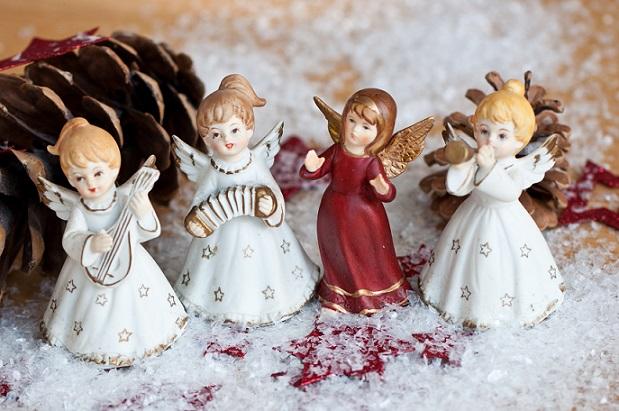 Anschaulicher für die Kinder wird sicher dei Weihnachtsgeschichte wenn die Engelchen dabei sind
