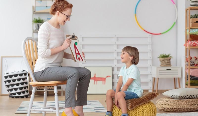 Auch wenn alle Vorsorgeuntersuchungen planmäßig wahrgenommen worden sind, ist die Feststellung der Schulfähigkeit beim Kinderarzt ein aufregender Tag für Kind und Eltern. (#01)