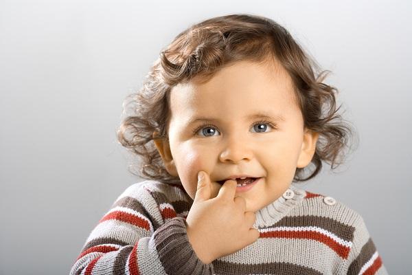 Diese süße Maus ist 18 Monate alt. Der Schritt vm Baby zum Kleinkind ist schon rasend schnell.