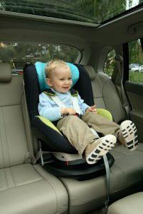 Der Kleine mit seinen 18 Monaten ist schon bald aus seinem Kindersitz rausgewachsen.