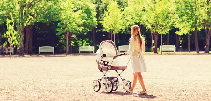 Erster Spaziergang mit dem Baby: so bereitest Du dich und den Zwerg perfekt vor ( Foto: Shutterstock- Syda Productions)
