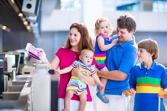 So wichtig wie bei Erwachsenen der Reisepass beim Fliegen ist, so wichtig ist es natürlich auch wenn man mit seinem Baby fliegen möchte.