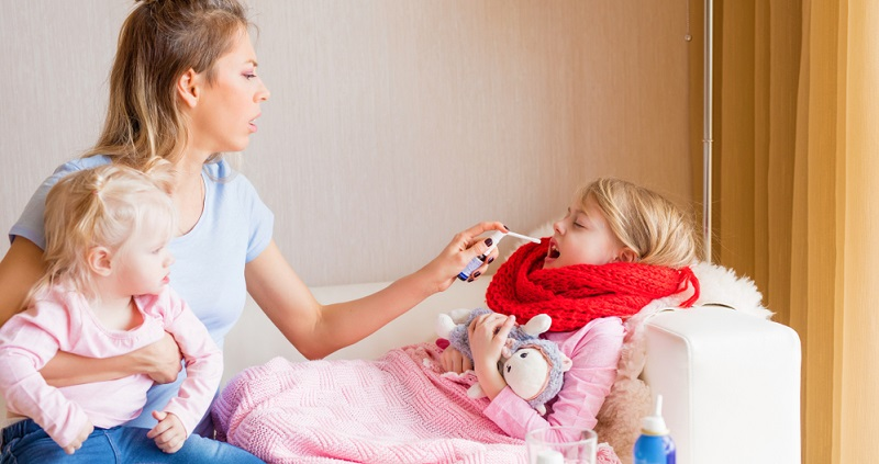 Das Immunsystem kann sich in vielen Fällen auch selbst helfen. Speziell die Grippe bei Kindern und bei älteren Erwachsenen muss zwar besonders gründlich ärztlich überwacht werden, aber oft reicht auch eine homöopathische Behandlung aus.