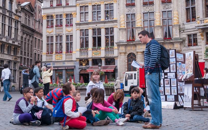 Vor der Buchung von einem Hotel, einem Hostel oder auch einem Zimmer in einer Jugendherberge ist es natürlich noch wichtig sich die Frage zu stellen, ob Brüssel mit Kindern eigentlich überhaupt ein gutes Ziel darstellt. (#01)