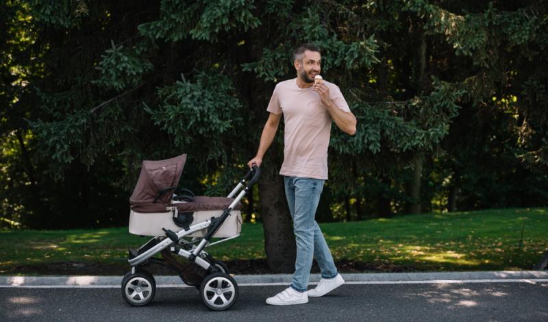 Es ist ratsam, die infrage kommenden Kinderwagenmodelle im Vergleich zu betrachten.