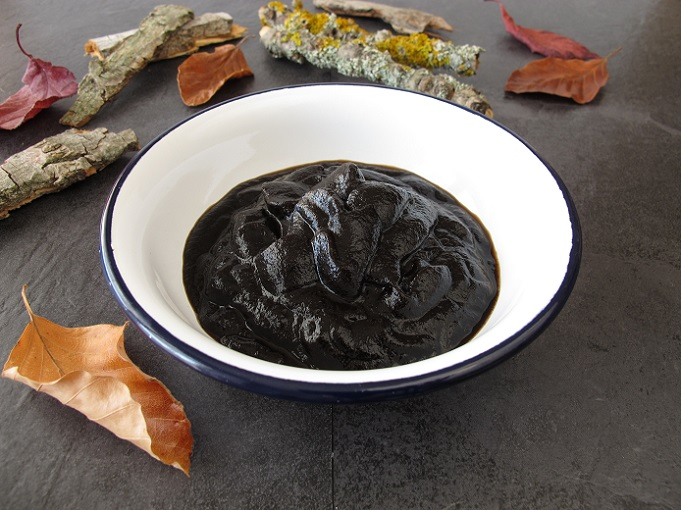 Moor enthält viele Substanzen, die sich positiv auf unseren Körper auswirken. (#01)