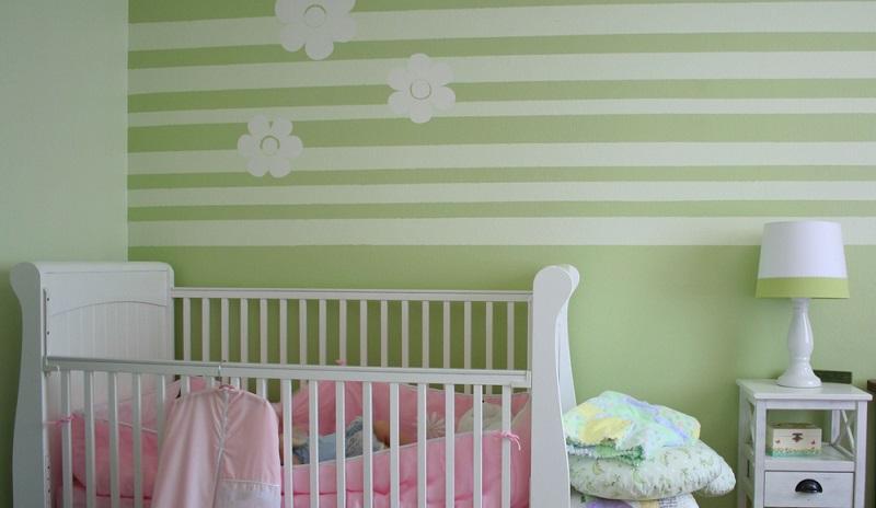Einen sehr harmonischen Eindruck macht es, wenn Sie einen hellgrünen Farbton mit Weiß kombinieren.