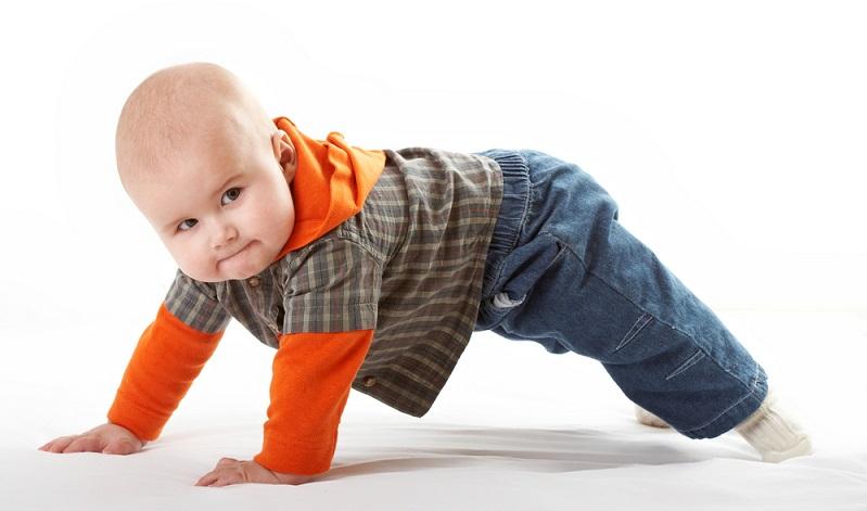 Zu der Frage, ab wann PEKiP sinnvoll ist lässt sich sagen: Wenn das Kleine wirklich davon profitieren kann! ( Foto: Shutterstock-Anton Novožilov )