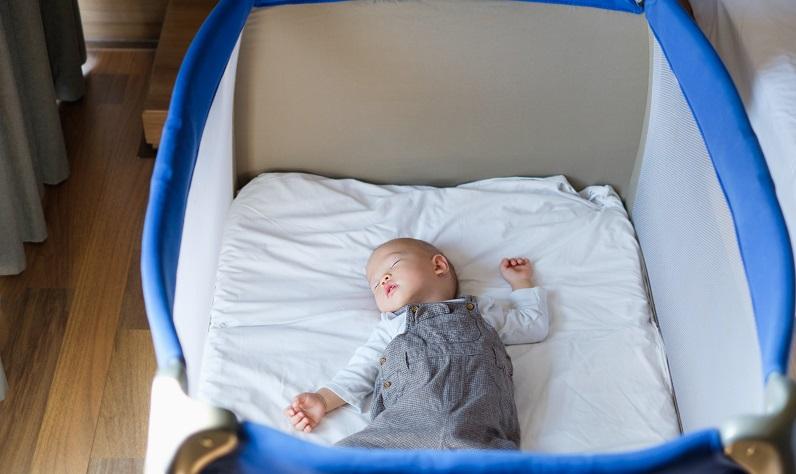 Die großen Marken für Reisebetten kennt man oft schon von anderen Möbeln und Accessoires für das Kinderzimmer. (#03)Die großen Marken für Reisebetten kennt man oft schon von anderen Möbeln und Accessoires für das Kinderzimmer. (#03)