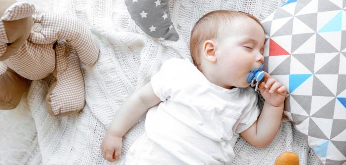 Schlafrhythmus: Babys finden so in den Schlaf