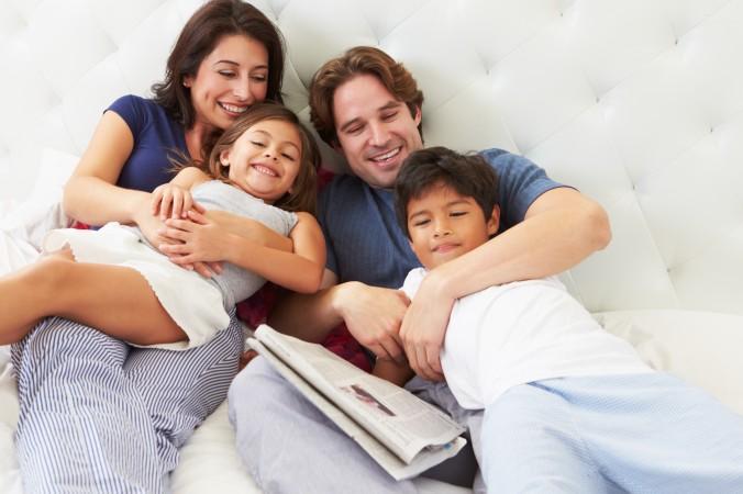 Helfen Sie ihrem Kind dabei, das Selbstwertgefühl zu steigern. Ein positives Körpergefühl, ist ein erster Schritt in die richtige Richtung. Ausgiebiges Kuscheln, so lange wie das Kind das Bedürfnis danach hat, ist dabei nur ein ganz kleiner Teil, der aber bereits sehr viel bewegen kann. (#5)