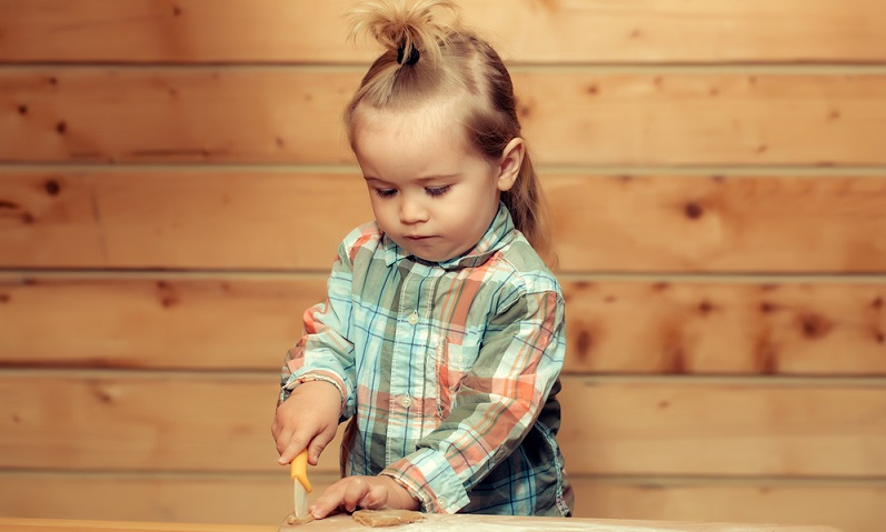 Selbstverständlich, dass keine Messer offen an Orten liegen sollten, zu denen Kinderhände Zugriff haben. (#04)