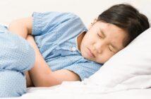 Ständiges Erbrechen beim Kleinkind: Ursachen und Behandlung