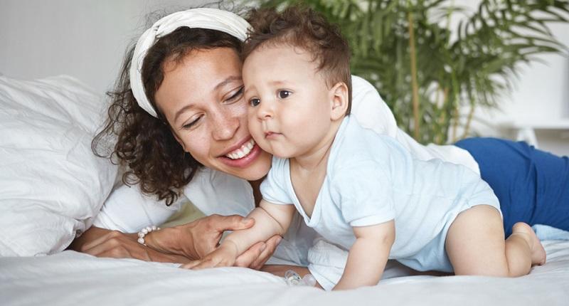Die Arbeitsrechte sehen vor, dass die Zeiten, die für den Mutterschutz gerechnet werden, als Beschäftigungszeiten zu sehen sind. Auch ein Arbeitsverbot vor den gesetzlichen Fristen zum Mutterschutz gilt als Anwesenheitszeit. (#01)