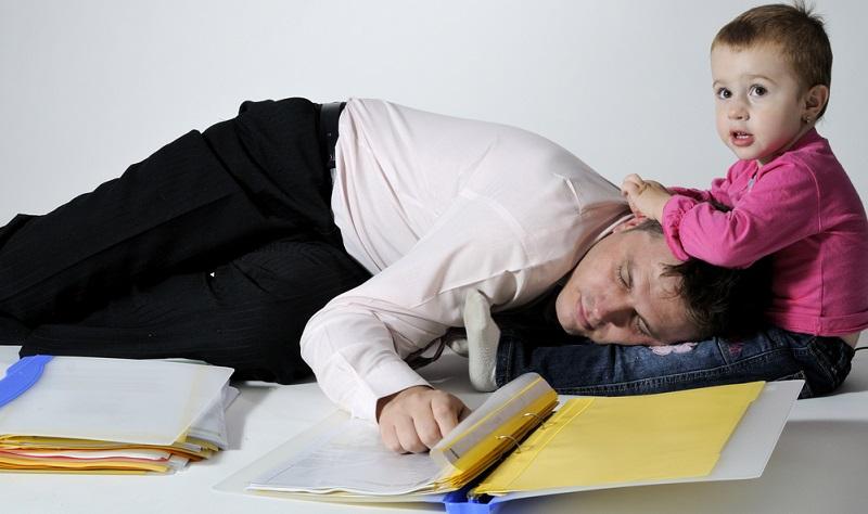 Die Frage, wann die Babys durchschlafen, ist für die meisten jungen Eltern von großer Bedeutung. Der Grund dafür besteht darin, dass sie meistens unter akutem Schlafmangel leiden.