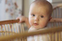 """Wie lange """"Gitterbett"""" für die Zwerge? ( Foto: Shutterstock-_Natalia Lebedinskaia )"""