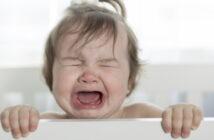 Die Ferber Methode unterstützt die Theorie: Das Baby schreien lassen.