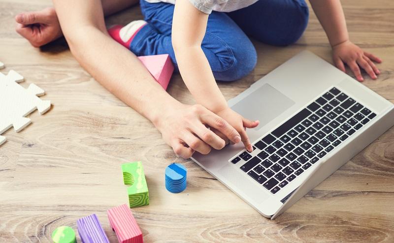Computerspiele für Kinder: Eltern haben die Pflicht, auf die Kinder zu achten und sie zu führen. (#02)