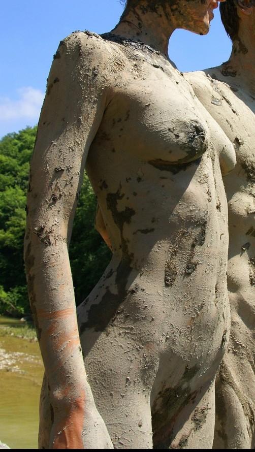 nackt im moorbad