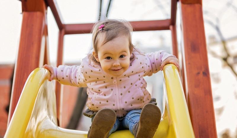 Die Kleine ist ungefähr 2 Jahre alt und wird sehr sicher nicht mehr gestillt. (#2)
