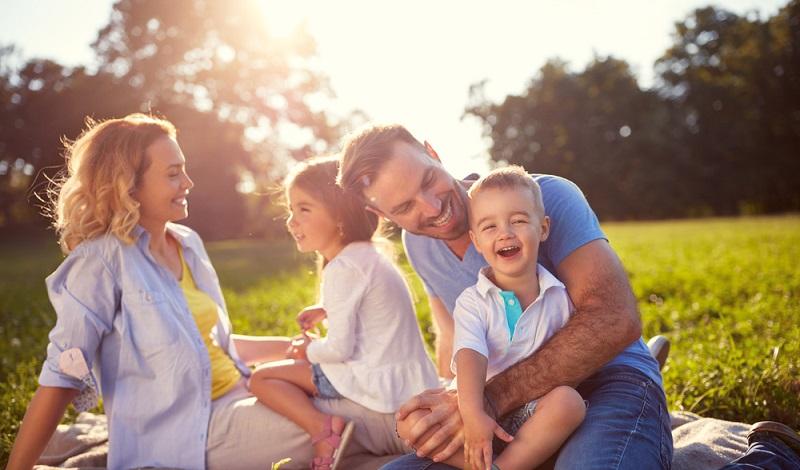 Diese Familie ist aus dem Gröbsten raus. Die Kinder sind immer noch klein, aber natürlich längst abgestillt. (#3)